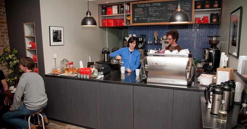 Plan de negocios para cafeter a art culo for Modelos de mesas para cafeteria